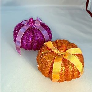 🎃 Pair of Sparkly Decorative Pumpkins
